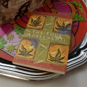 Other - Book The Four Agreements